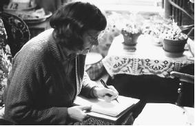 Stella Horrocks in an automatic writing session. (FORTEAN PICTURE LIBRARY)