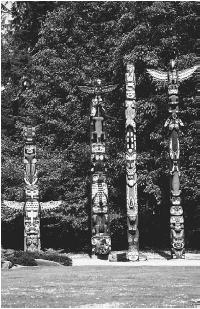 Totem pole. (CORBIS CORPORATION)