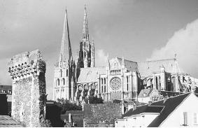 Chartres Cathedral, France. (F. C. TAYLOR/FORTEAN PICTURE LIBRARY)