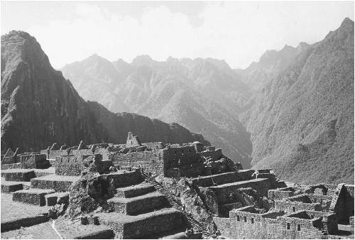 An aerial view of the ancient Incan city Machu Picchu. (JOHN M. BARTH)