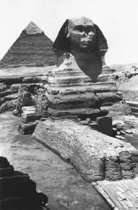 Pyramids and the Sphinx in Cairo, Egypt. (THE LIBRARY OF CONGRESS)